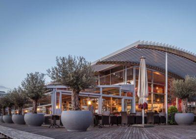 Terrasaanzicht Restaurant-Bar-Terras Villa Lago in Leidschendam