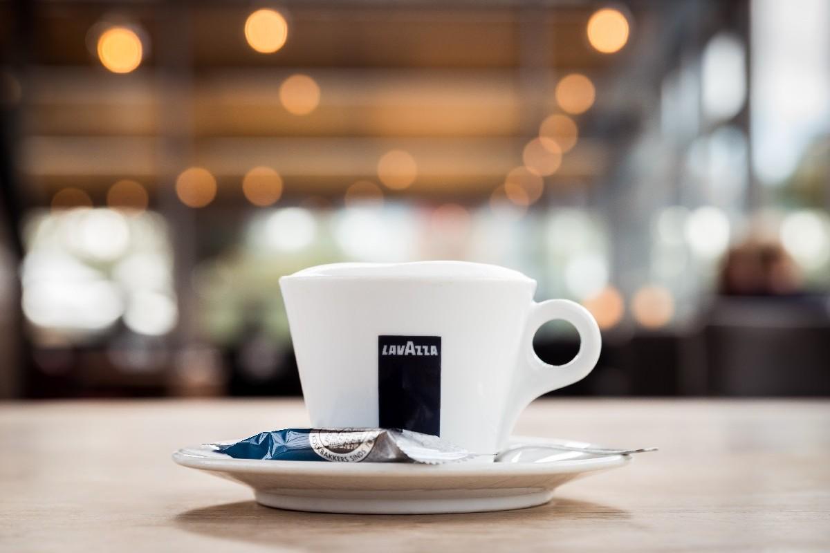 Cappuccino van Restaurant-Bar-Terras Villa Lago in Leidschendam