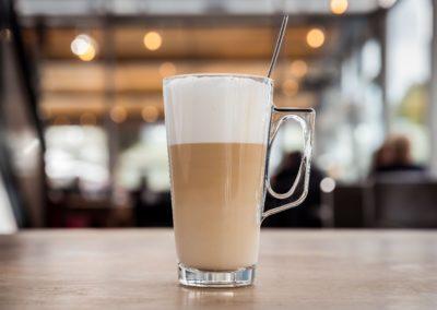 Latte machiato van Restaurant-Bar-Terras Villa Lago in Leidschendam